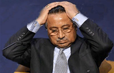 Pakistan&#39;s Pervez Musharraf flees court after arrest ordered