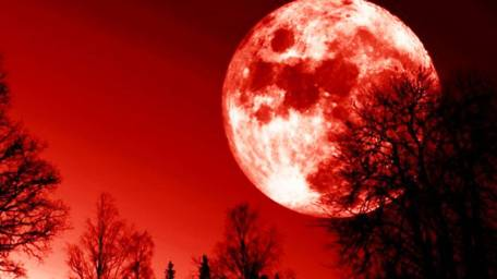 Longest Lunar Eclipse (Full Blood Moon) of the 21st Century to Appear in July — Here's How to See it Total-lunar-eclipse-Blood-Moon-on-Saturday-422015