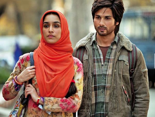 Haider in the wrong place at the wrong time pakistan for Farcical hindi