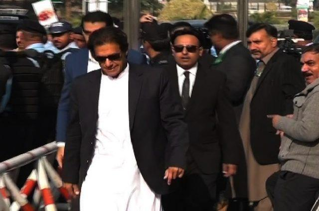 Your one positive sentence can set affairs right: SC to Imran Khan